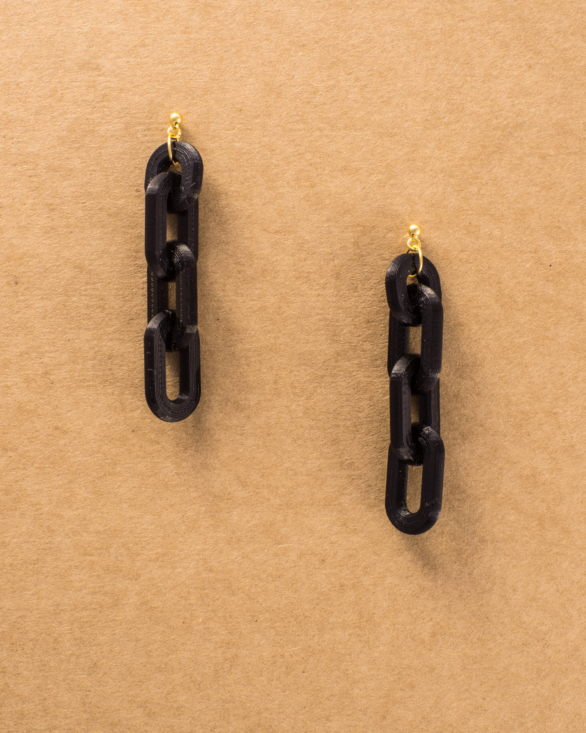 CHAIN EARRINGS BLACK